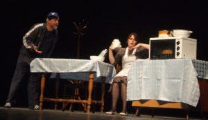 Adam (Rastislav Zorňan) a jeho žena Eva (Mária Turanská) sa hádajú, či kúpiť kravu