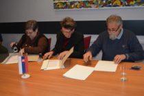 V NRSNM podpísali zmluvy o vykonávaní prác
