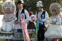 AKTUALIZOVANÉ: Pestrosť slovenských ľudových krojov v Kysáči