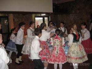 Obľúbenou hrou detí, ale aj mládeže bola hra Čutu lulu