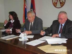 Novozvolený predseda ZO Siniša Gavrančić (v strede) v spoločnosti s podpredsedom Aurelom Murguom a tajomníčkou OZ Biljanou Vragovićovou
