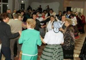 V tanci si svoje tanečné vlohy vyskúšali nie len dospelí, ale aj tí najmladší účastníci podujatia. Na snímke je momentka z tanečného pódia