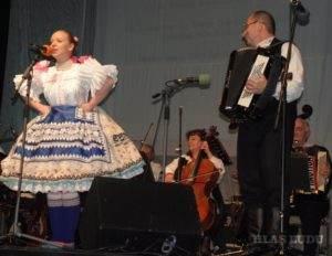 Na pazovskú nôtu spievala Anna Dvornická