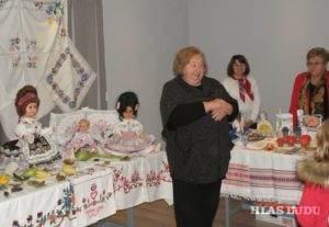 Výstavu ručných prác členiek 5 spolkov žien odporúča i Anna Valášeková