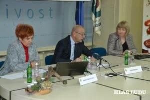 Z tlačovky v Hospodárskej komore Slovinska