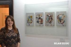 Anna Andrejićová pri svojich prácach