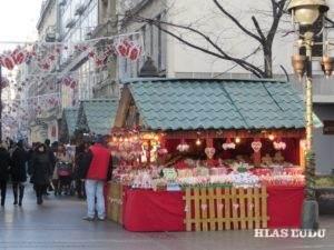Ovzdušie sviatkov je aj v Belehrade