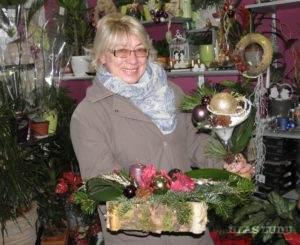 Ruženka Hrubíková z Hložian si odniesla domov dva vianočné aranžmány