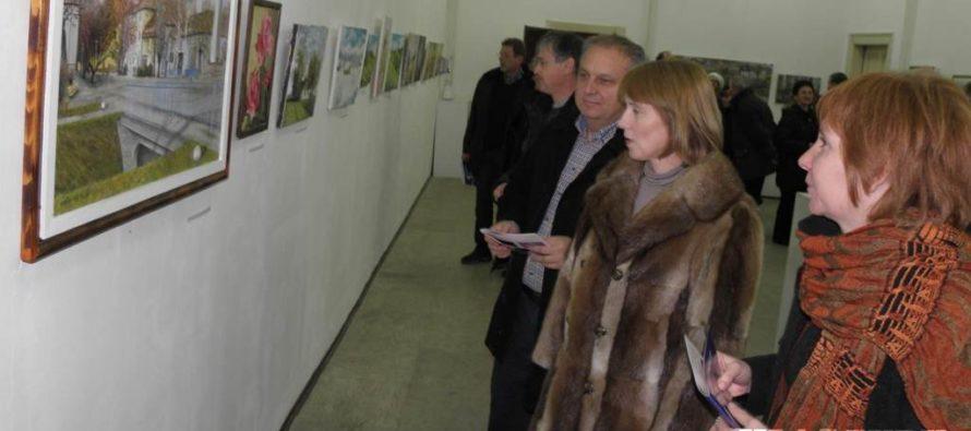 Na 4. bienále 24 výtvarníkov amatérov
