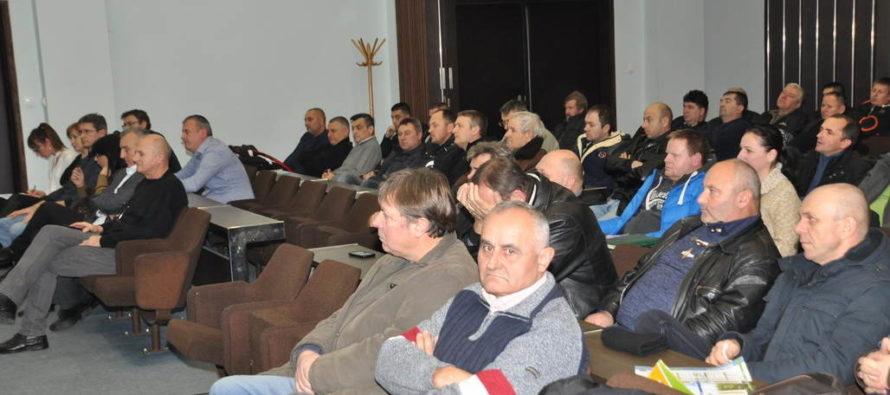 Verejná tribúna v Báčskom Petrovci