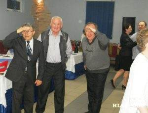 Táto trojica mala najťažšiu úlohu-zvoliť najkrajšiu dámu. Na snímke zľava: Pavel Baláž, Ondrej Suchánek aVladimír Hudec