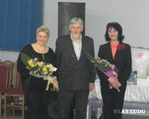 Predseda padinského MOMS Dušan Kereš s Annou Kolárikovou a Zuzanou Melišovou, najsympatickejšími hostiteľkami