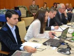 Súčasťou stretnutia boli aj dve prezentácie mladých pracovníkov kancelárie