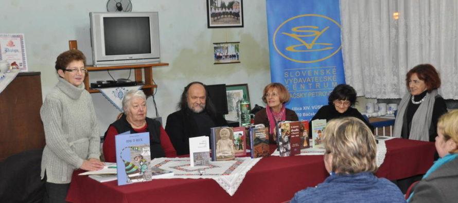 ZIMA S KNIHOU V PETROVCI: Divadelníctvo, Benková a Pixiades