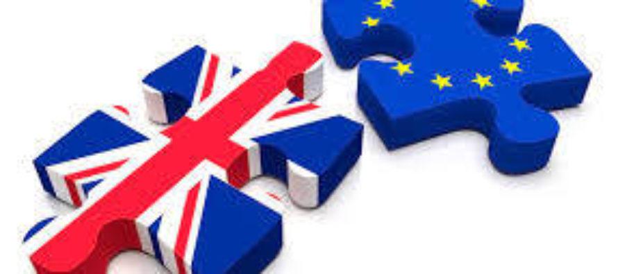 Spojené kráľovstvo dnes podalo oficiálnu žiadosť o vystúpenie zEÚ