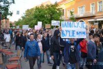 PROTESTY PROTI DIKTATÚRE: Povolebné študentské výkriky