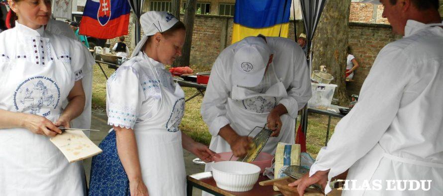 Horál – Kojšov zo Slovenska – víťaz Medzinárodných majstrovstiev vo varení a jedení bryndzových halušiek