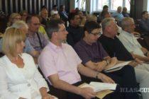 Zo Zhromaždenia obce Petrovec: Otázka komasácie odročená