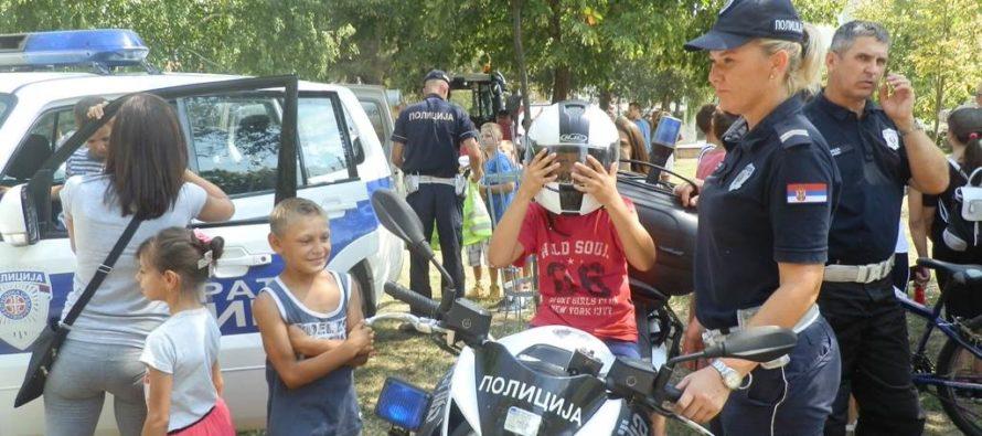 Stará Pazova: Občania sa zoznámili s prácou polície