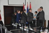 Slovenskí poslanci aj v Petrovci