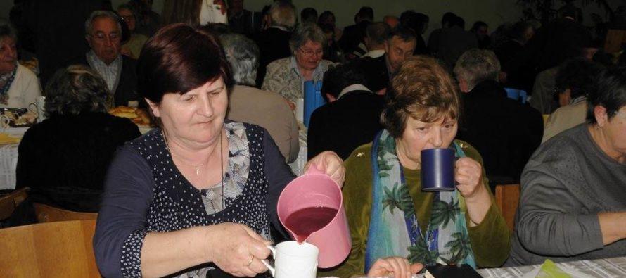 Čajový večierok vkysáčskom zbore SEAVC