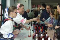 Veľkonočná nedeľa v Kulpíne a víno a klobásy