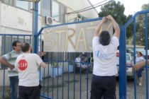 Robotníci podniku DES štrajkujú