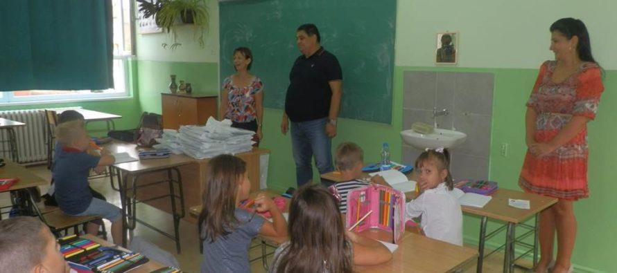 Stará Pazova: Učebnice a školské potreby pre prvákov