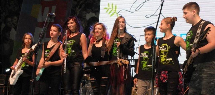Súťažili mladé rokové skupiny a sólisti