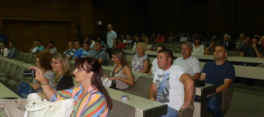 Stará Pazova: Sto podnikateľov dostalo 50 tisíc dinárov