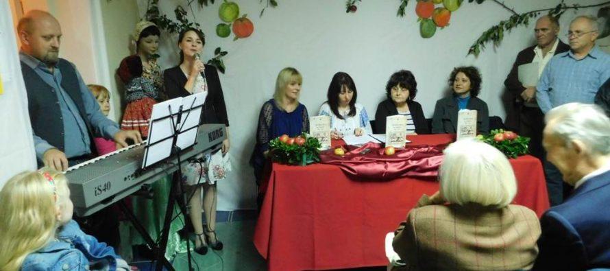 Kniha 130 rokov školy vo Vojlovici aj po slovensky