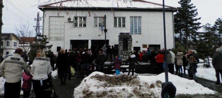 Vianočný trh v Hložanoch