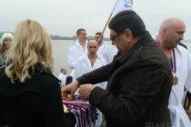 Staré Bánovce: Čestný kríž v rukách majora Milana Žunića