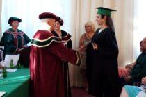 SNS: Slávnostne prómovali absolventov  Vysokej školy Sv. Alžbety
