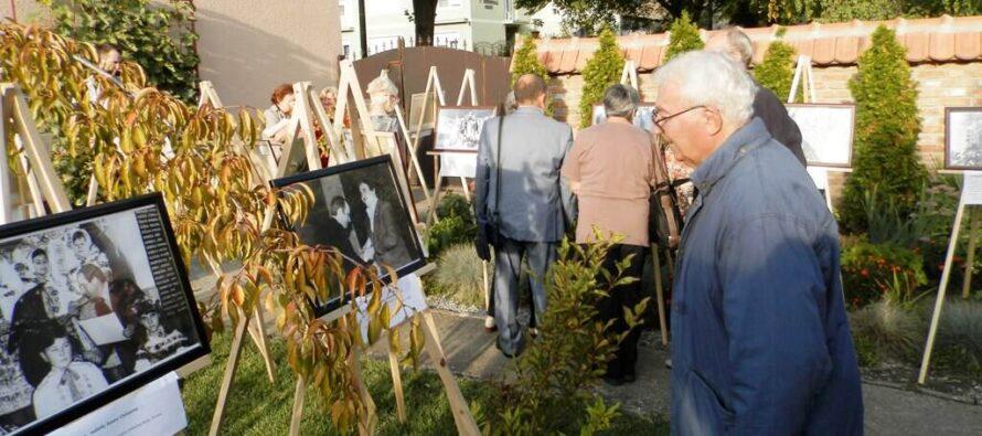 FOTODOKUMENTÁRNA VÝSTAVA JÁNA ČECHA – Polstoročia s kultúrou v Kovačici