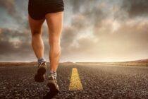Kipchoge sa stal prvým človekom v dejinách, ktorý maratón zdolal za menej ako dve hodiny!