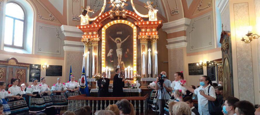 Dve a pol storočia pazovského cirkevného zboru