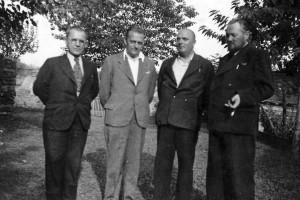 Konštantín Hurban (druhý zľava) v Pazove