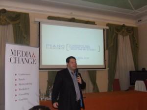 """Tomáš Bella, generálny riaditeľ Piano Media, o systéme """"združeného"""" paypal-u na konferencii v Gorízii"""