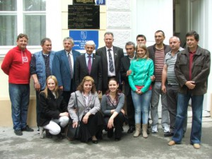 Mikuláš Dzurinda s členmi Rady Miestneho spoločenstva
