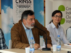 Pokrajinský tajomník pre kultúru a informovanie Slaviša Grujić a riaditeľka Klastra kreatívneho priemyslu Vojvodiny Tatjana Kalezićová počas otvorenia konferencie