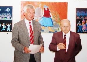 Dvaja vášniví zberatelia insitného umenia – Ivan Melicherčík z Bratislavy (vľavo) a Ján Čech z Kovačice
