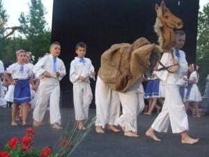 Erdevícke Zvončeky sa zahrali peknú detskú hru s koníkom