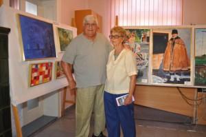 Maliar Vladimír Urbanček s manželkou Ann po otvorení výstavy