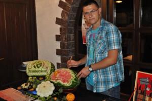 Krásna umelecká záľuba – vyrezávanie ovocia a zeleniny