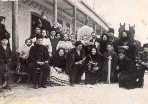 Svadba v Kysáči, 1940: Strieborné pávie pero pre kolekciu Michala Ďurovku