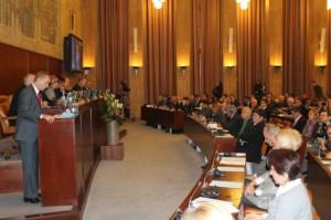 Premiér Dr. Bojan Pajtić počas pozdravného prejavu účastníkom