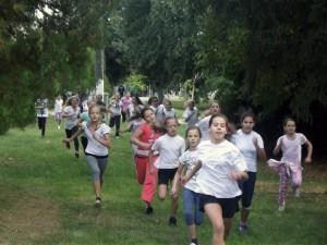 Padinským žiakom sa dobre bežalo v miestnom parku