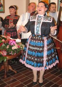 Anna Zlochová a ďalší rosičkári jubilujú: v prvú októbrovú sobotu odznie celovečerný program HFS V šírom poli hruška